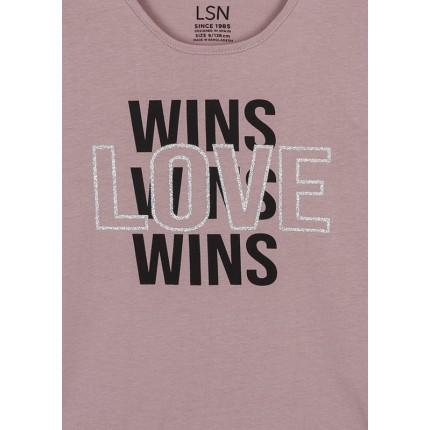 Detalle estampado de Camiseta LSN junior niña Wins Love manga larga